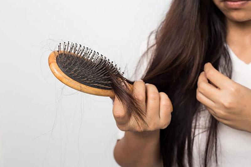 از تقویت مو تا درمان كم خونی با خواص معجزه آسای گیاه گزنه