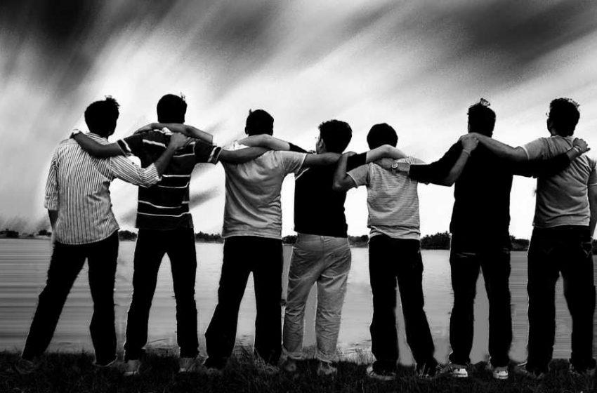 دوستان و همسالان چه تاثیری در تحولات دوران نوجوانی دارند؟